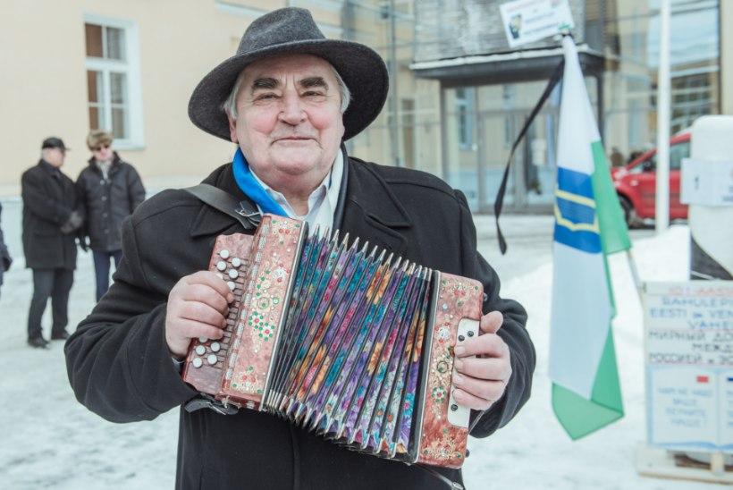 Tartu tseremooniameister nõudis isamaalise plakati eemaldamist