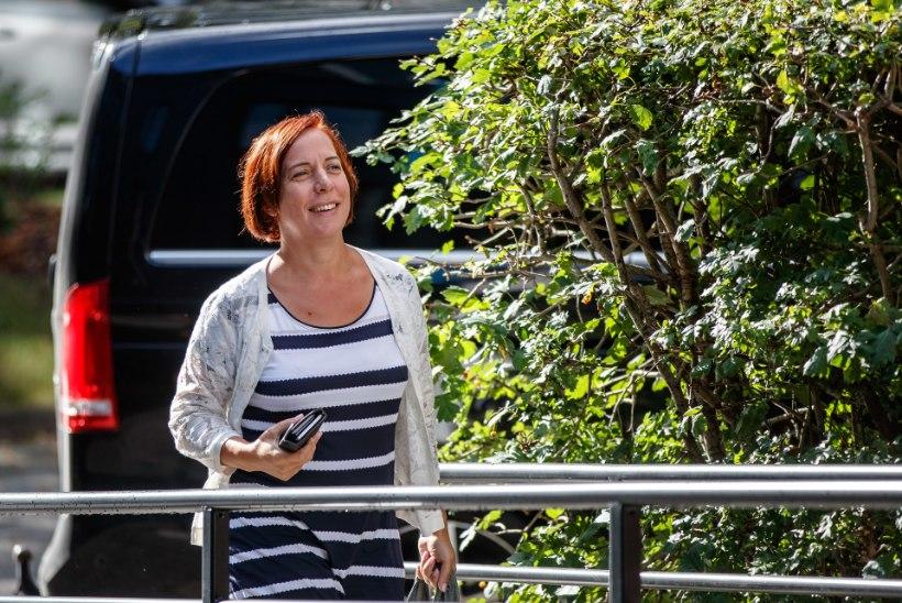 Uurimise detailid: miks sattus Repsi koju ministeeriumi kohvimasin?