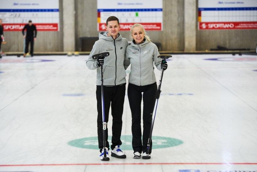 NELJAS KULD: Eesti segapaaris kurlingu meistrivõistlustel võidutsesid tiitlikaitsjad