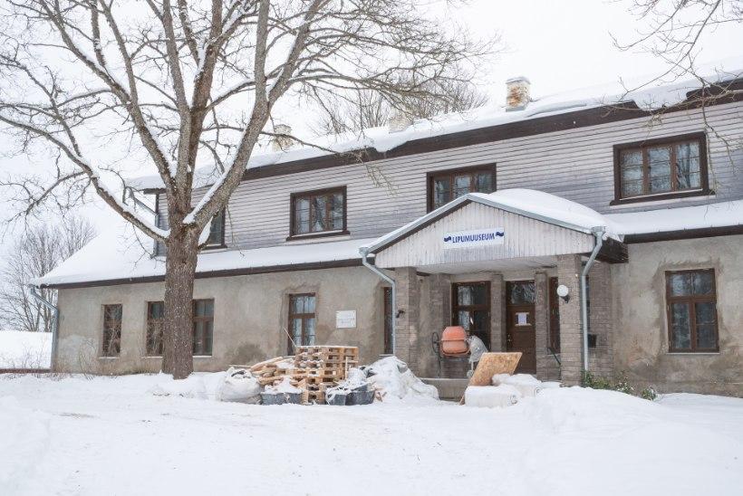 Katuseraha tõi tüli majja: Otepää lipumuuseumi remont venib juba kolmandat aastat