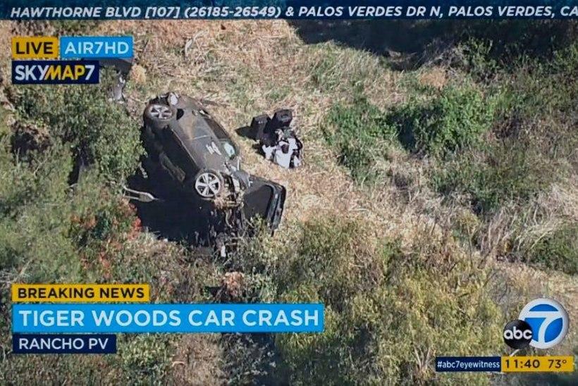 USA staar Tiger Woods tegi raske avarii, päästjad pidid ta autost välja lõikama