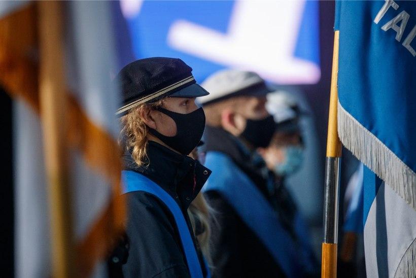 GALERII | Palju õnne, Eesti! Iseseisvuspäev algas lipuheiskamisega Toompeal