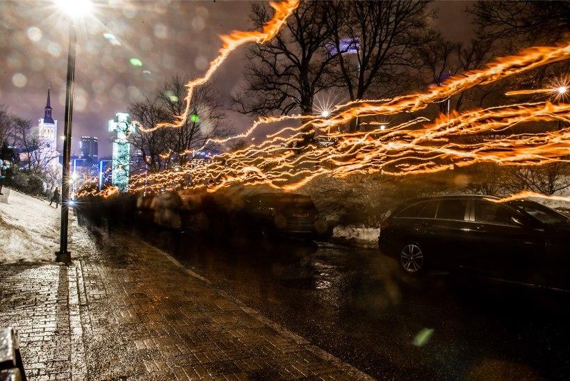 ÕL VIDEO JA GALERII | Tallinnas koguneti taaskord tõrvikurongkäiguks