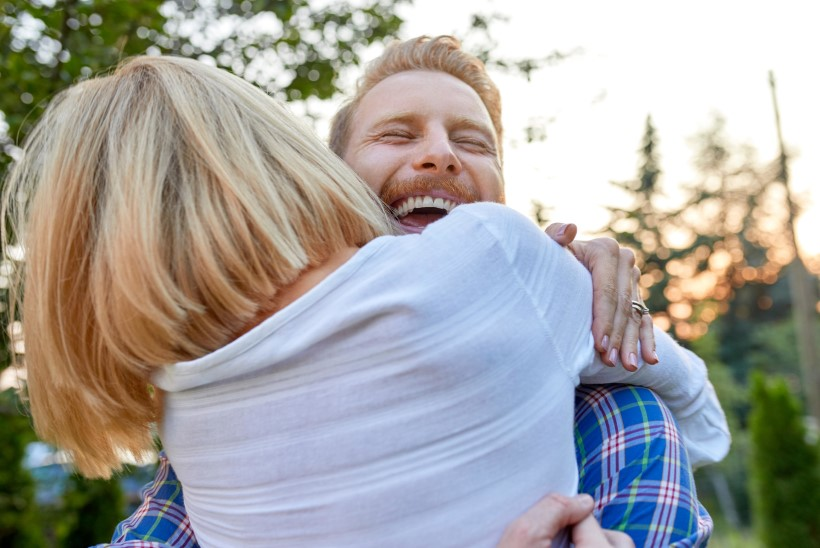 HELLUSENÄLG: kuidas mõjub meile pikaajaline kallistuste põud?