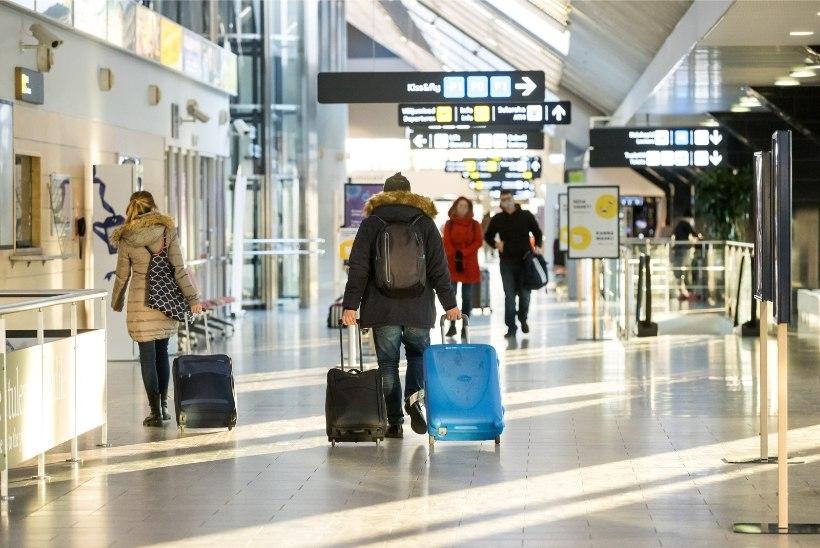 HÄMMELDUSES REISIJA: Tallinnas pandi kõik lennult saabujad ühte bussi!