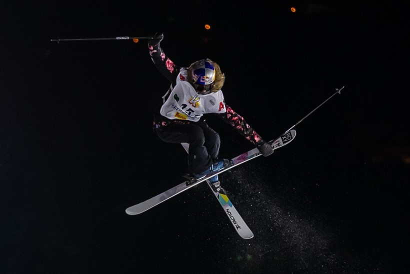 SELGUS MAJAS: põlve vigastanud Kelly Sildaru jätkab olümpiaunistuse poole pürgimist