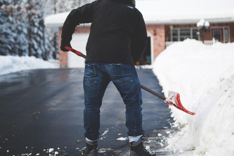 LUND MUUDKUI SAJAB! 7 nutikat ideed, kuidas muuta lumerookimine lihtsamaks