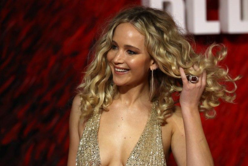 Jennifer Lawrence sai filmimisel vigastada, võtted pandi pausile