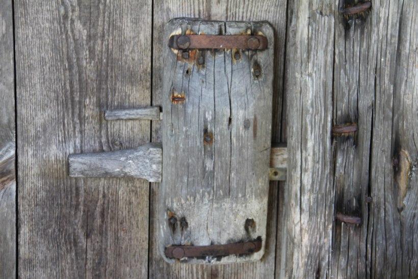 PUUTÖÖ | Salapärane aidavalvur– kodalukk – sobib ka tänapäeva interjööri!
