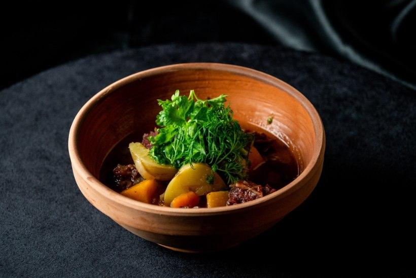 JALMAR VABARNA SETO SÜÜK: vaata, kuidas teha savvusannaliha, aiaviläruuga ja kohopiimäpliini sahvtiga