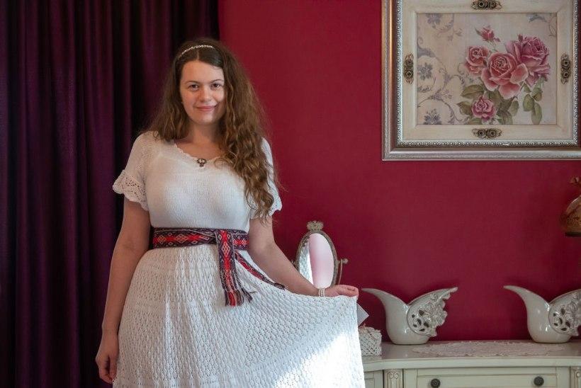 """Noor pitsikuduja Kaidi-Kätlyn Reimann: """"Kudumine ajab mul sageli päevarütmi segamini, sest kuidagi ei raatsi pooleli jätta!"""""""