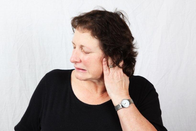 ARST VASTAB: miks kõrva kuulmekäik kuivab ja on valus?