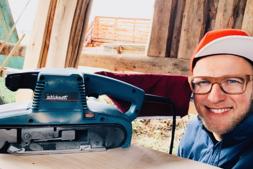 Koroonaaja väljakutsed! Tööpuuduses muusik Reigo Ahven teenib leiba meistrimehena: tavaliselt leian igale asjale lahenduse