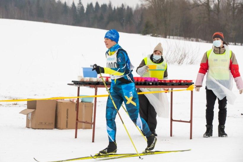 EESKUJULIK KÄITUMINE? President Kaljulaidi osalemine suusamaratonidel tekitab kriisiajal küsimusi
