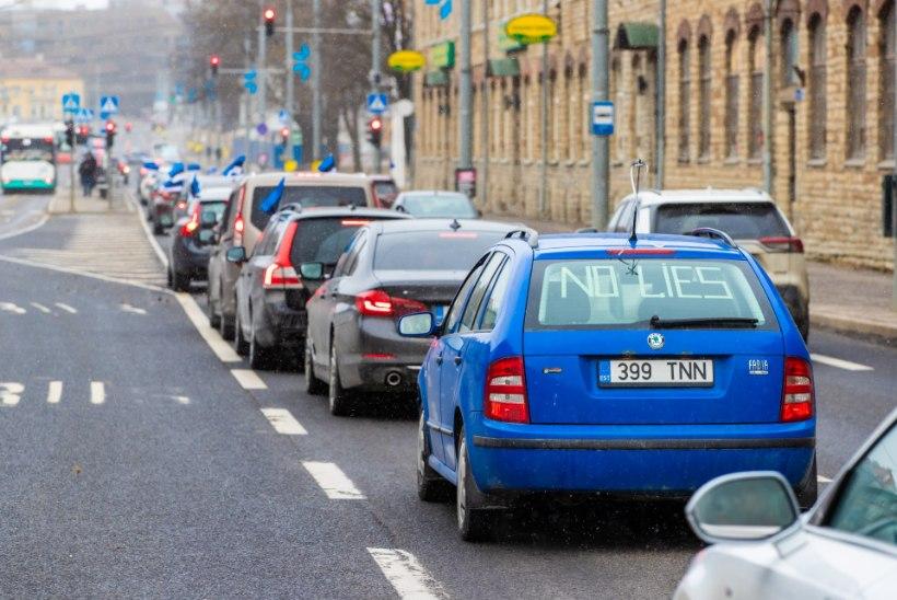 GALERII JA VIDEOD   VAATA, KAS LEIAD TUTTAVAID? Meeleavaldusele koroonapiirangute vastu kogunes sadu autosid, rongkäik piiras liiklust kogu Tallinnas