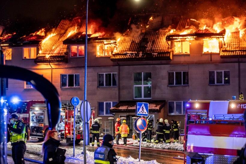 """Põlenud sotsiaalmaja elanik: """"Kas ma suren nüüd nälga?"""""""