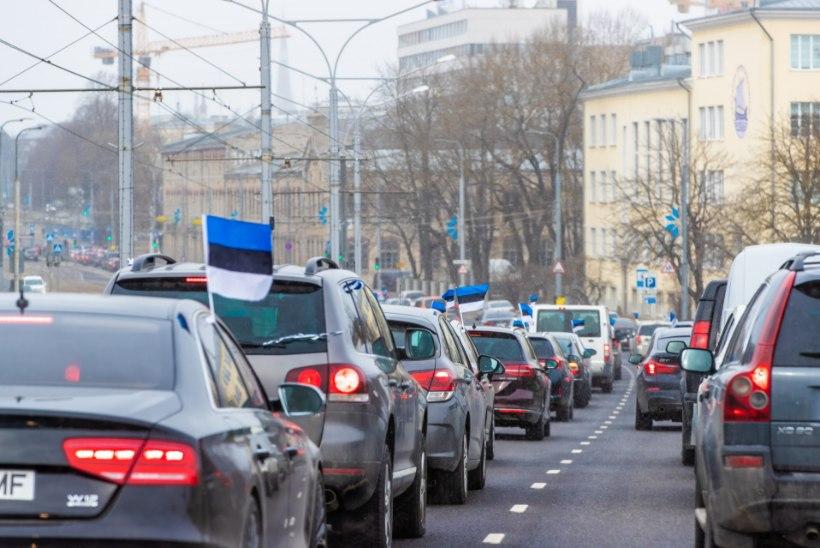 Seisukoht | Mis sinu probleem on, kui paned oma autole sinimustvalged külge ja hakkad liiklust ummistama?