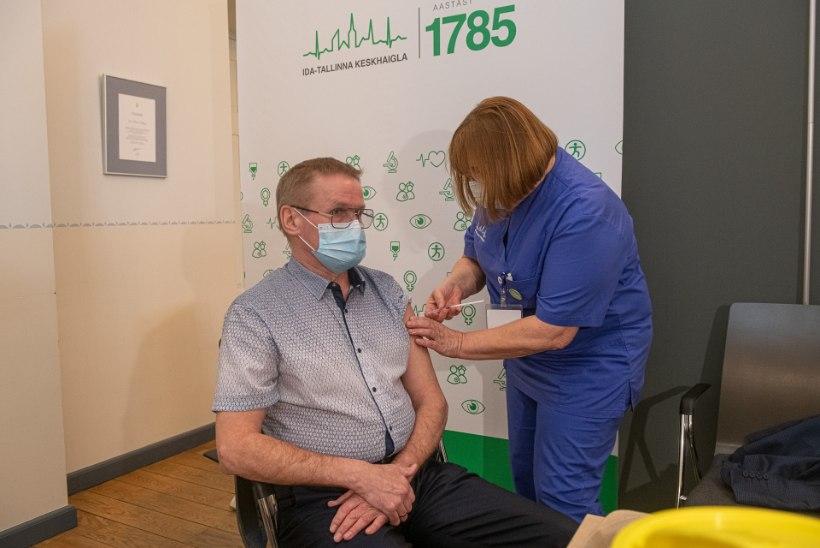 GALERII   Lõpuks ometi! Vaata, kuidas täna vaktsineeriti meie ministreid!