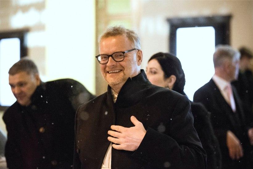 Hans H. Luik kinkis oma 60. sünnipäeval lastele majad