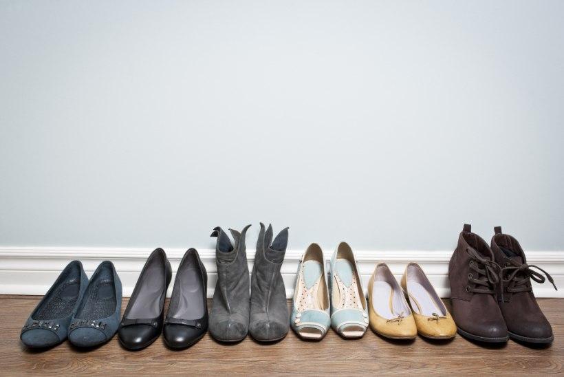 Etiketi asjatundja: koduuksest edasi sokkis või kingades?