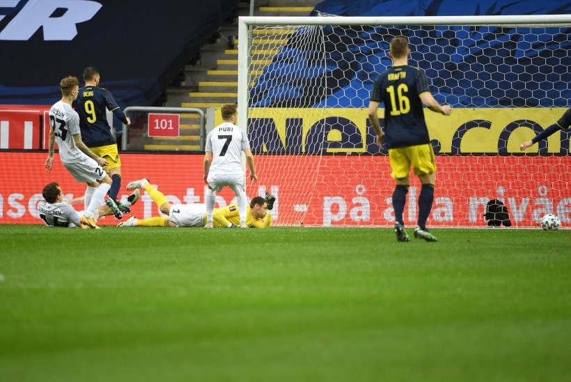 BLOGI   Eesti jalgpallikoondis kaotas võõrsil Rootsile, Zlatan platsile ei pääsenud