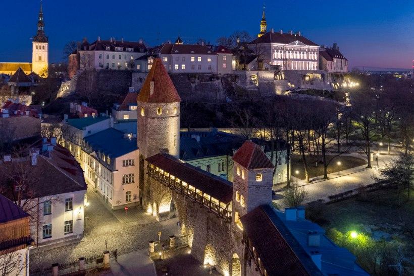 LIIGU TERVISEKS: Tallinna vanalinna valgusrajad ootavad avastajaid