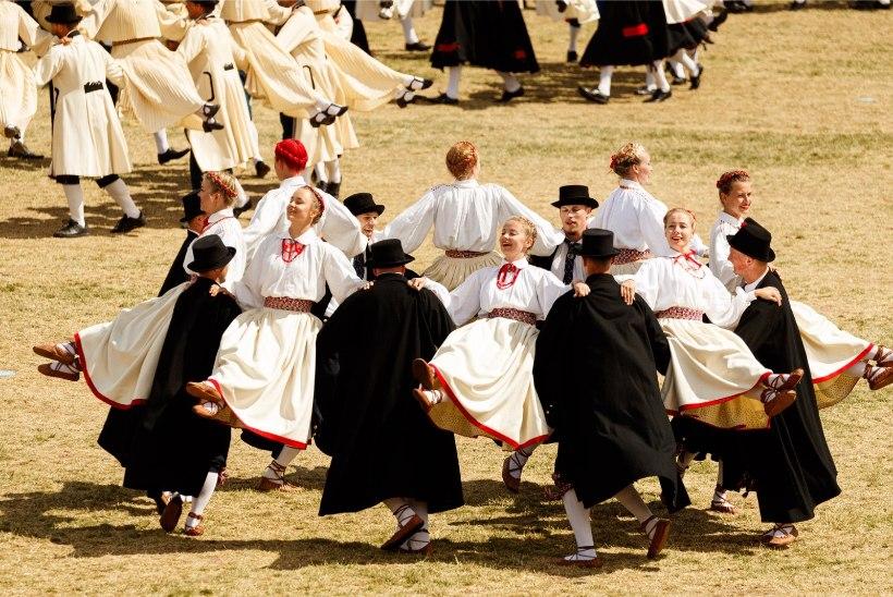 VIIRUS SEGAB PLAANE! 2022. aasta noorte laulu- ja tantsupidu lükkub edasi