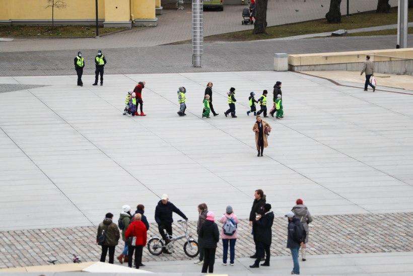 FOTOD | Toompea ja Vabaduse väljak on meeleavaldajatest tühjad