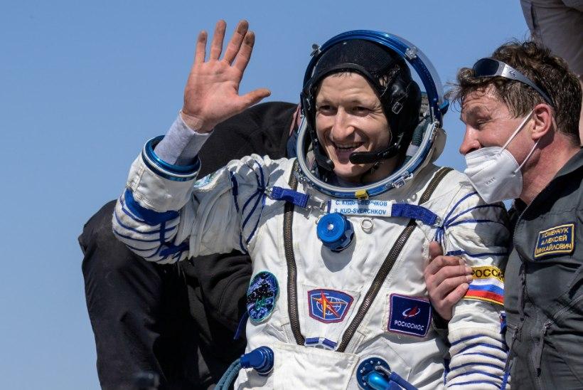 Kolm kosmonauti naasid rahvusvahelisest kosmosejaamast