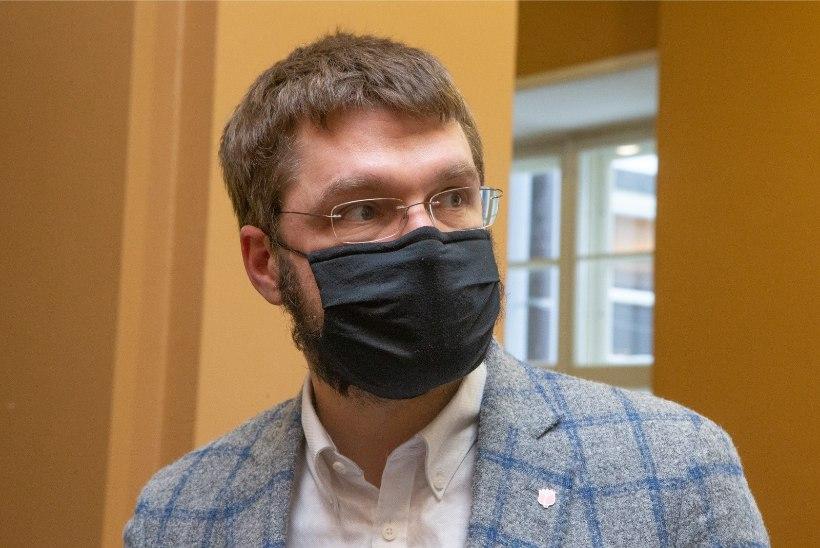 Jevgeni Ossinovski: vaktsiinidoosid lähevad hoolimata valitsuse lubadusest ikka eakatest mööda