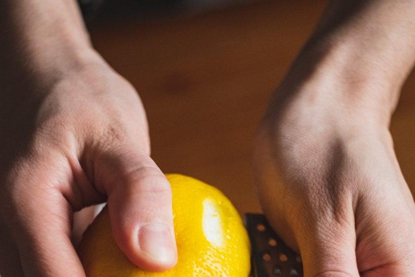 LUGEJA KÜSIB: kuidas riivida sidrunikoort?