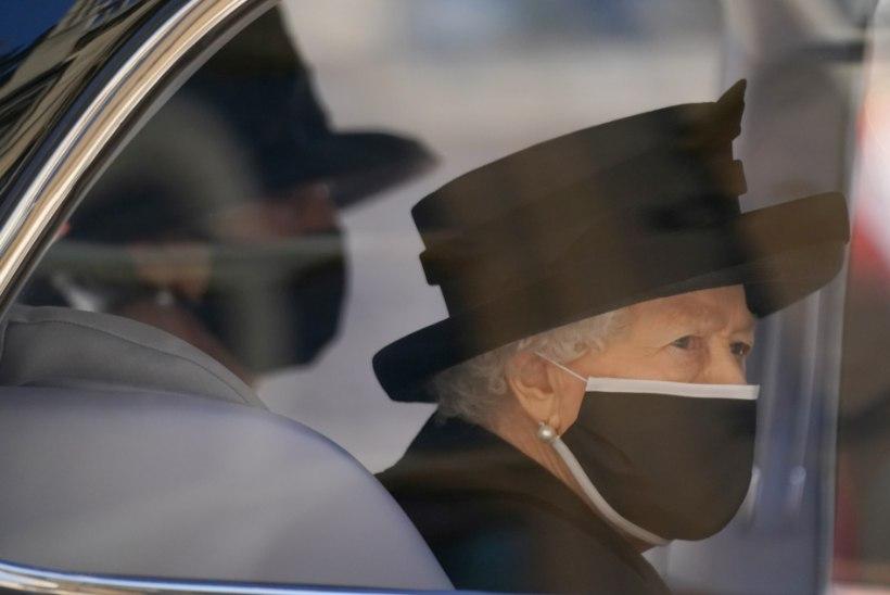 Elizabeth II eirab Philipi surma järel kuninglikku leinatraditsiooni