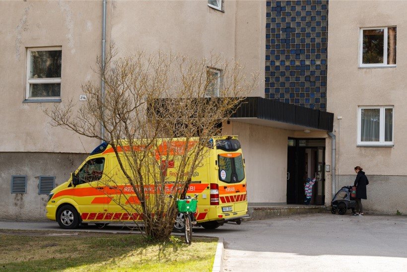 Haapsalus kolme inimest pussitanud mees jääb kaheks kuuks vahi alla