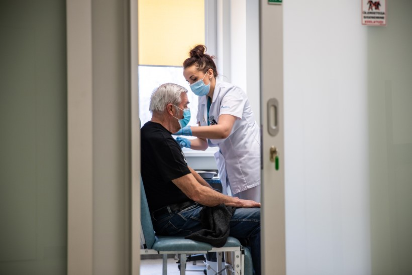 PANE AEG KINNI! Tänasest oodatakse vaktsineerima kõiki riskirühma inimesi ja üle 65aastaseid