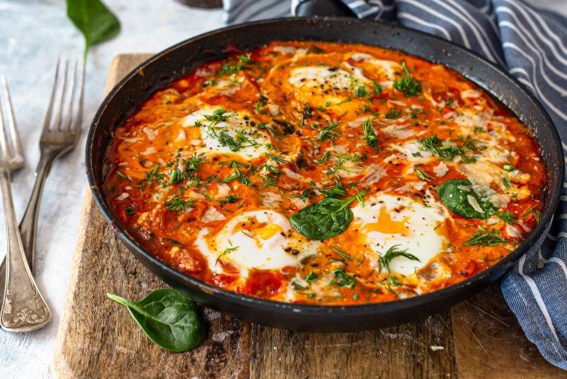 LIHTSAD TOIDUD MUNAST   Munapuder peekoniga, kana ja riisiga ahjuomlett ning tomatine panniroog