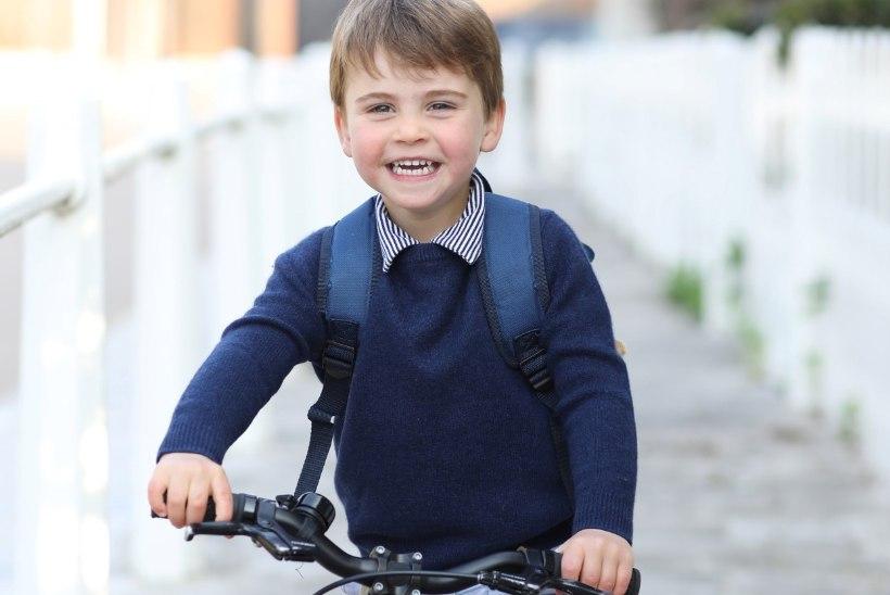 VAHVA KLÕPS: kolmeaastane prints Louis on nüüd lasteaialaps