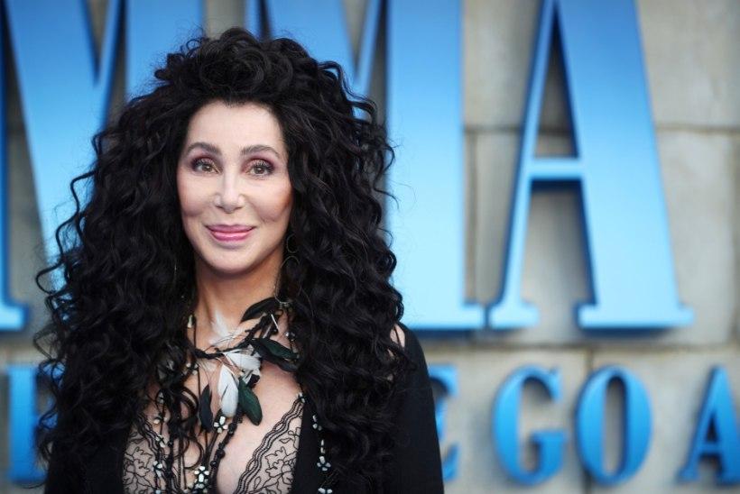 Cher nõuab, et isa loobuks Britney eestkostja rollist