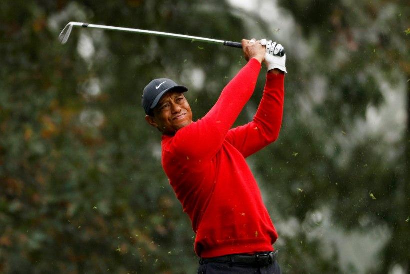 PILTUUDIS | Tiger Woods on pärast ränka õnnetust taas jalgel