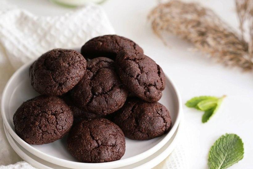 MEENUTADES PRÄÄNIKUID: pehmed mandlijahu-šokolaadiküpsised