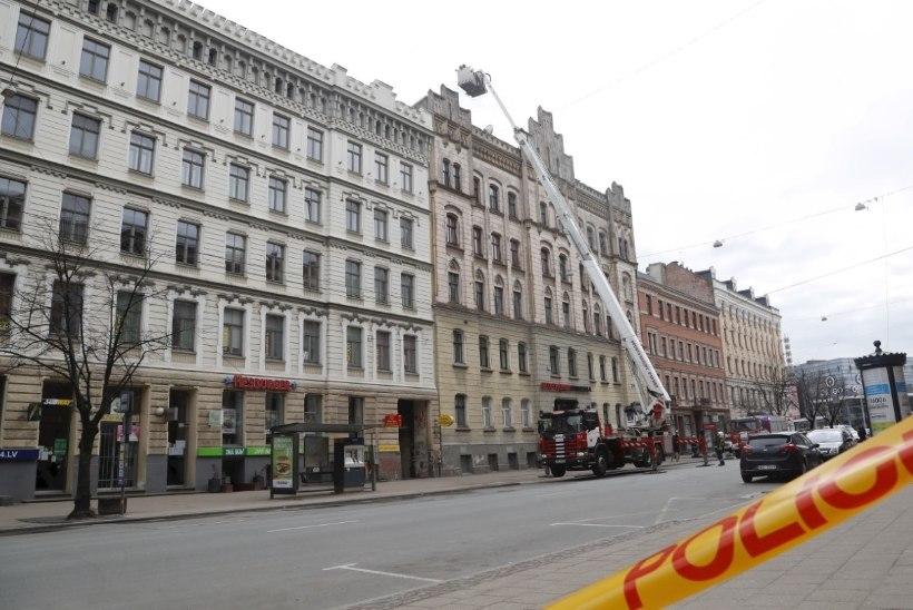 RIIA SURMALÕKS: illegaalne hostel ei lubanud ametnikke tuleohutust kontrollima