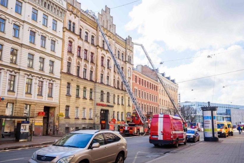 FOTOD | Riia hosteli põlengus sai surma kaheksa inimest
