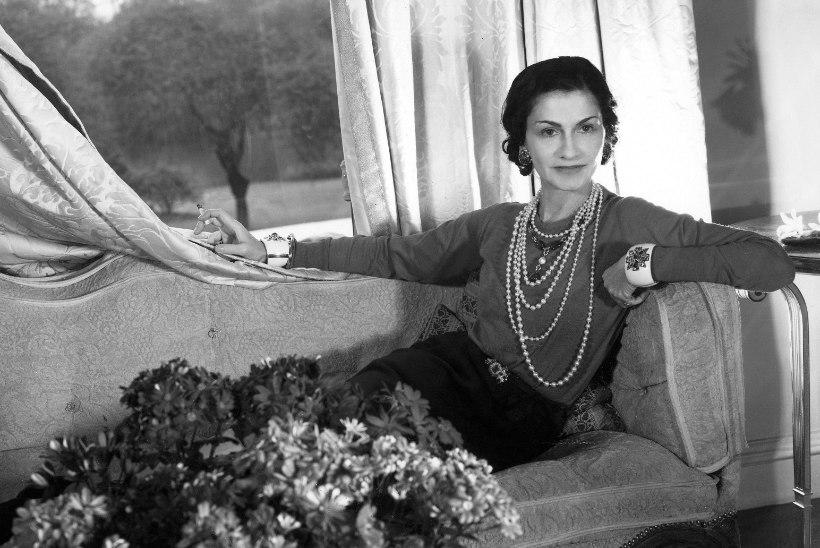 Ajaloo kuulsaima lõhnaõli loonud Coco Chanel: naine peab lõhnama nagu naine, mitte nagu lillepeenar