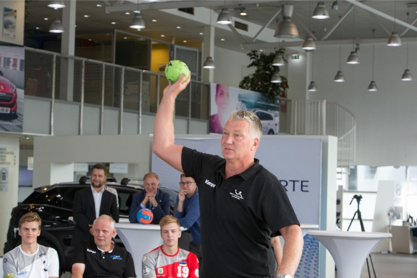 Eesti käsipalliliit pikendas Rootsi treeneriga lepingut