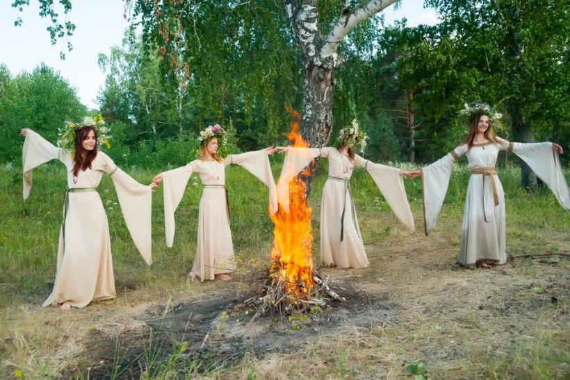 ÕL VIDEO   VOLBRIÖÖ RITUAALID JA TRADITSIOONID: wicca-nõid annab nõu, kuidas endale viljakust ja väge nõiduda