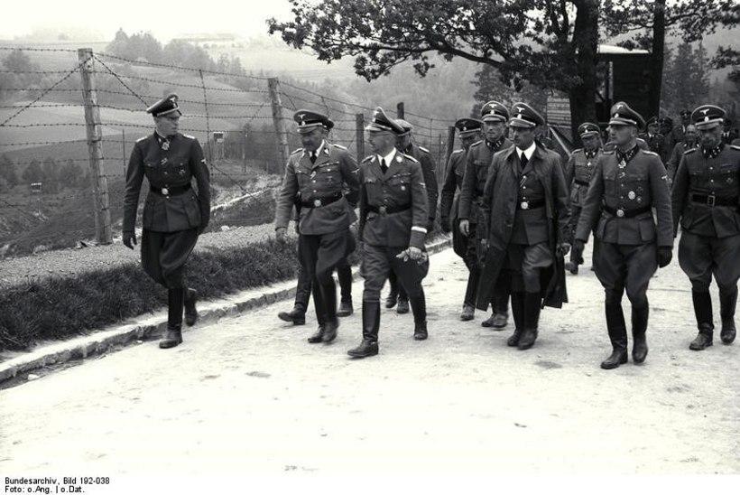 """HULLUMEELNE BLUFF: natside """"mustkunstnik"""" vallutas vaid kuue sõduri toel Jugoslaavia pealinna"""