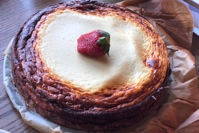 EVELIN ILVESE KOKAKOOL | Kreemjas kodujuustu-hapukoore kook: eestimaine olen-parem-kui-new-york-cheese-cake pidulauale!
