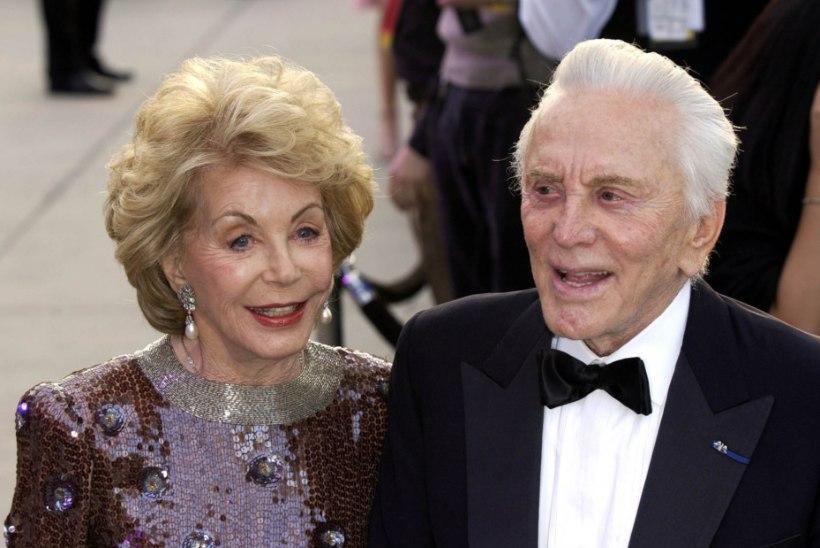 Hollywoodi legendi Kirk Douglase lesk suri 102 aasta vanusena