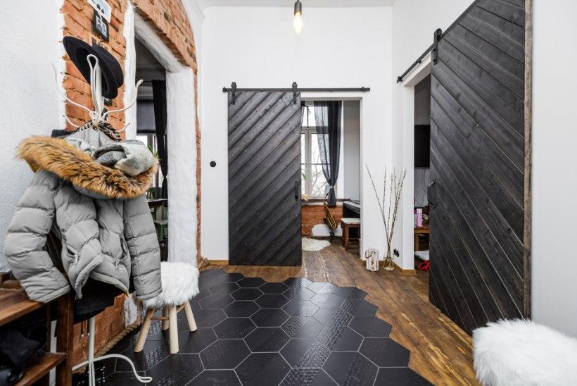 FOTOLUGU | Kahest korterist kokku üks: lugusid täis kodu Viljandi kesklinnas