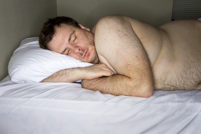 Lugejakiri   Õnnetu naine: miks mu mees on voodis uimane?