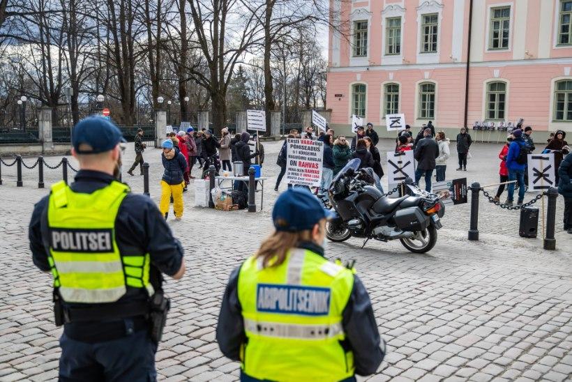 KUIDAS KOROONA MÕJUTAB SEADUSI: kas Toompeal protestijatel on põhjust politseiriiki peljata